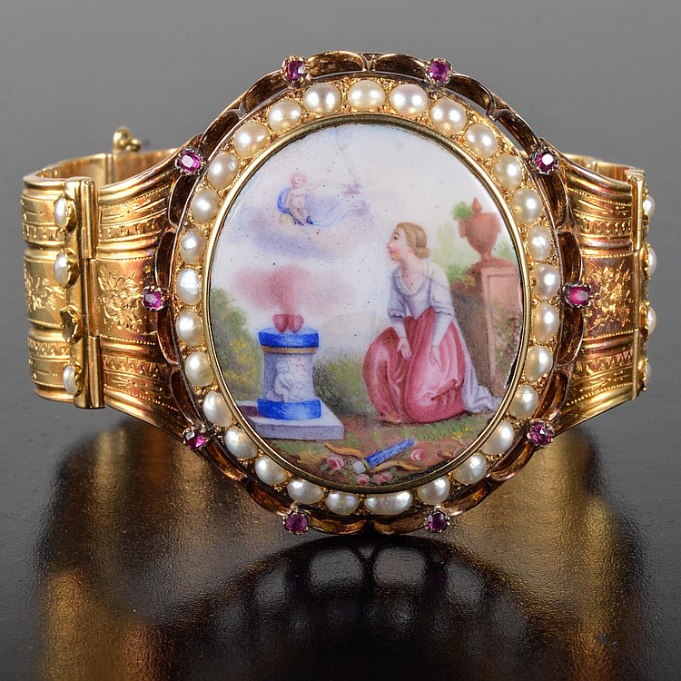 Antique enamel gold flexible bangle