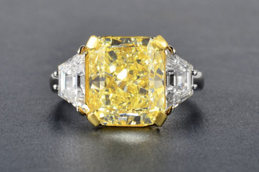 7.05ct Fancy Yellow Diamond Ring