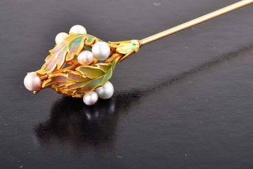 Art Nouveau plique-a-jour natural pearl hat pin