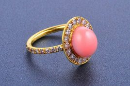 Gold Diamond and Conch Pearl Ring