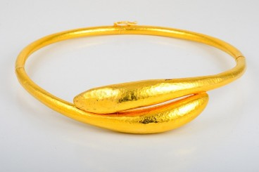 Lalaounis Hammered Gold Cuff Necklace