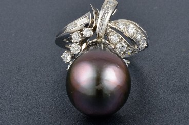 Platinum Diamond Pearl Ring