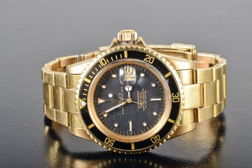 Vintage Rolex 18k gold Submariner man's watch year 1970